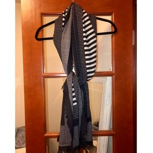 Madewell black and cream scarf